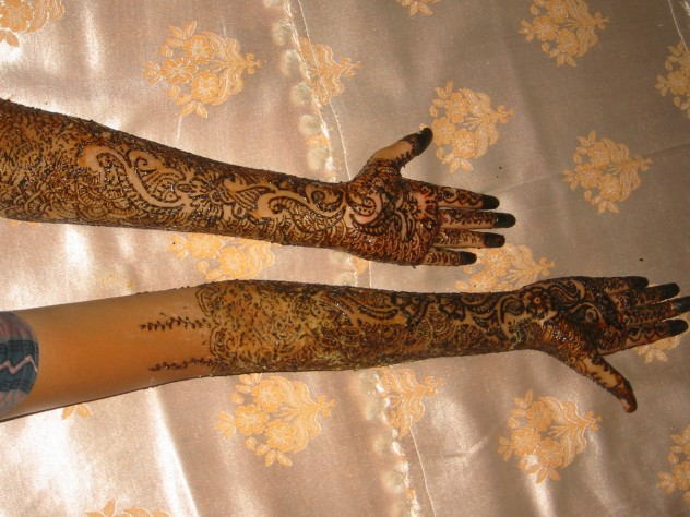 Tattoo_with_henna_Gujarat