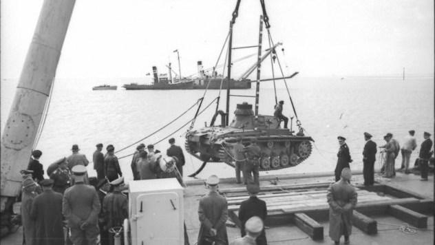 Übungen mit Panzer III für Unternehmen Seelöwe