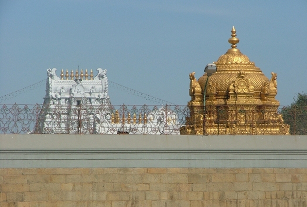 5_Tirumala_gopurams