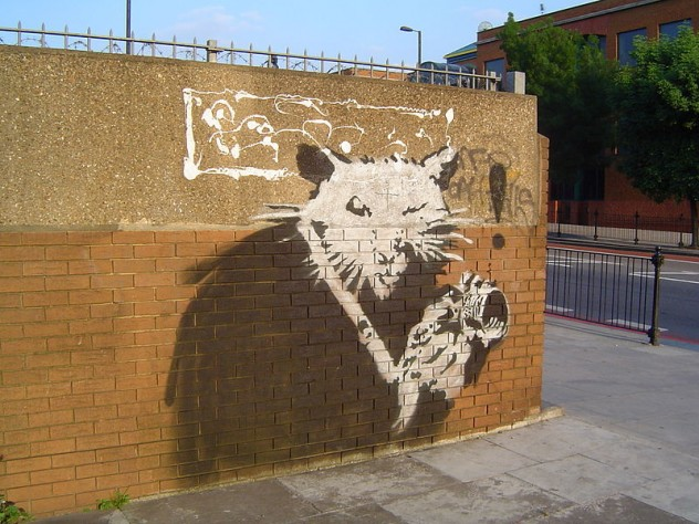 800px-The_Rat_(Graffiti_in_London)
