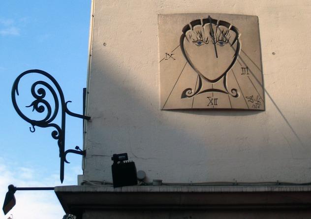 10_Le_Cadran_de_Dalí,_Rue_Saint-Jacques,_2010-07-24