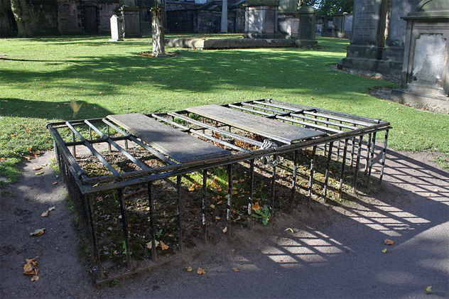 8- graves