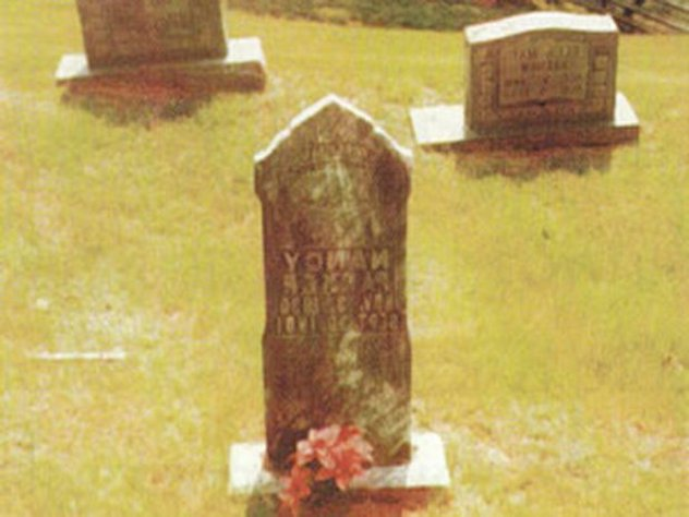 10_grave-site-of-daughter-nancy