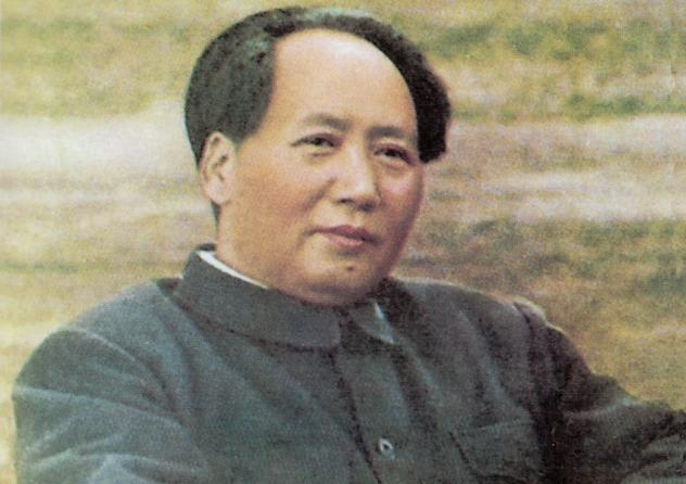 8_Mao_Zedong_sitting