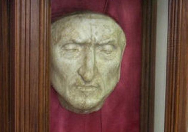 Dante death mask cropped