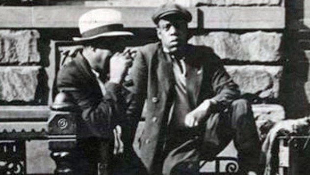 HOVA+CIRCA+1939+photo+1939+shows+man+striking+l3ho0Rz4mXrl
