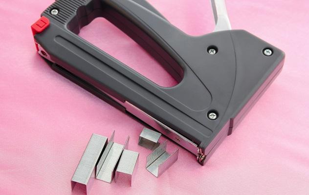 staple-gun