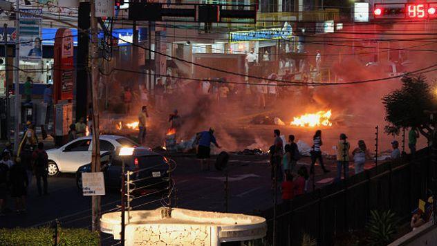 Venezuela_protests_against_the_Nicolas_Maduro_government,_Maracaibo_03