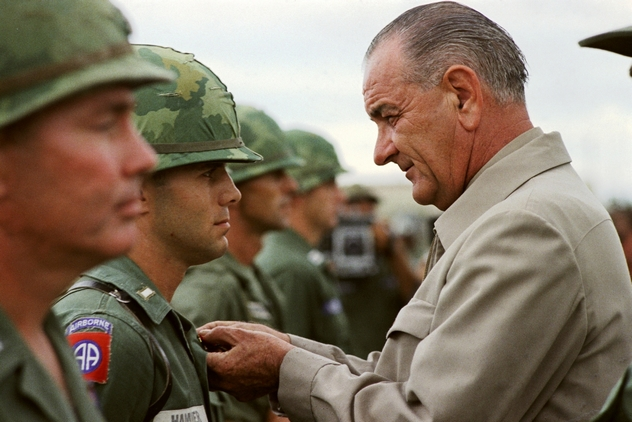 8_Visit_of_President_Johnson_in_Vietnam