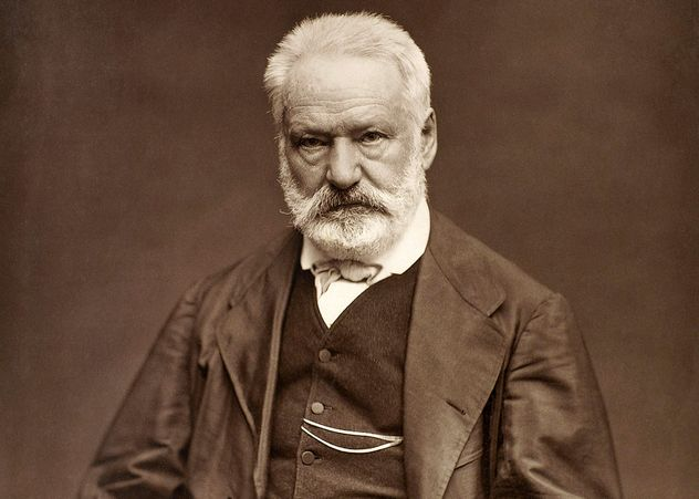 9_Victor_Hugo_by_Étienne_Carjat_1876_-_full