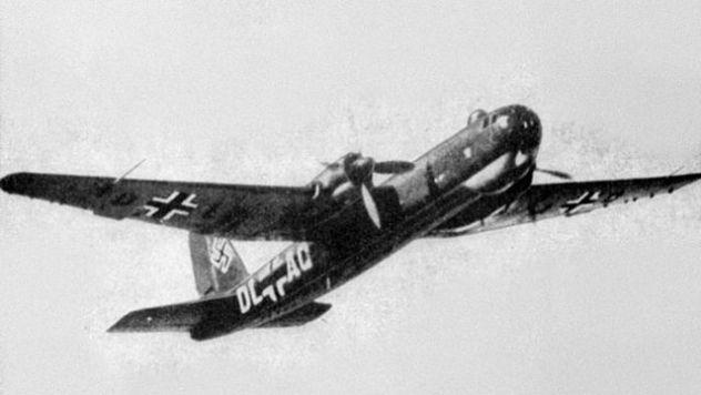 640px-Heinkel_He_177A-02_in_flight_1942