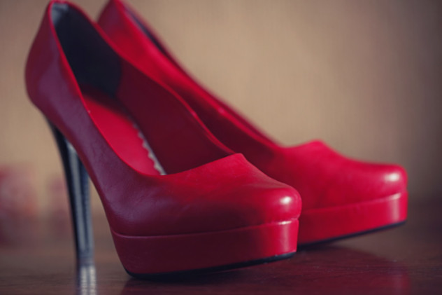 5 red shoes
