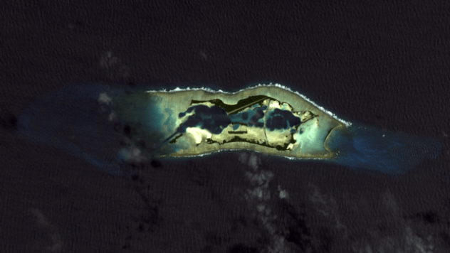 640px-Palmyra_Atoll_2010-03-18,_EO-1_ALI_bands_5-4-3-1,_15m_resolution