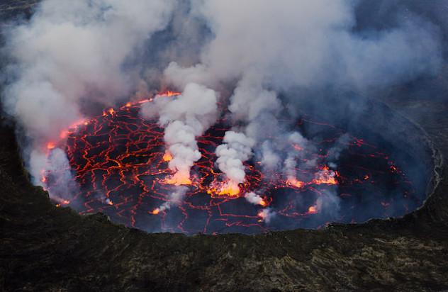 640px-Lava_Lake_Nyiragongo_2