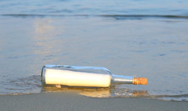 10-message-in-bottle-467223955