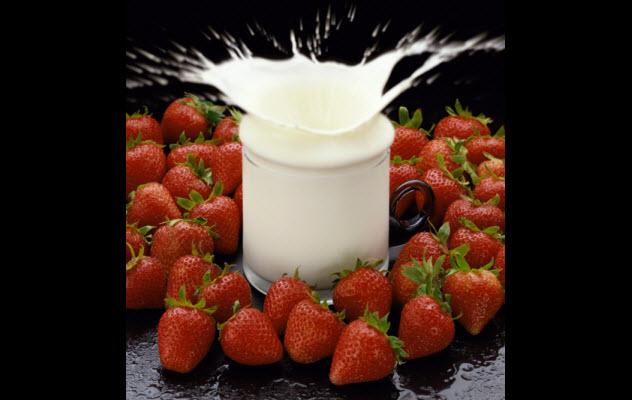2-milk-fruit-71261718