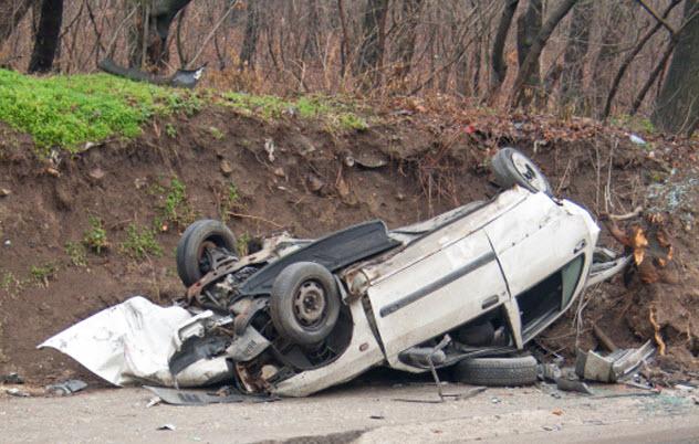 1-car-wreck-188051382