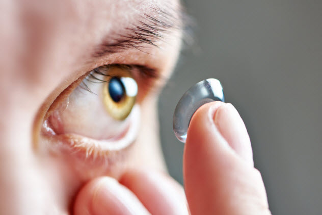 9-contact-lenses-476164778