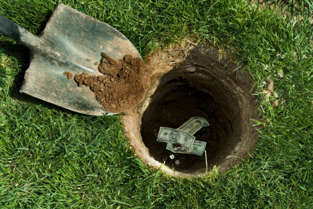 1-dig-up-money_000005915966_Small