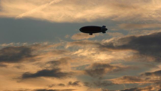 2-airship_000000849139_Small
