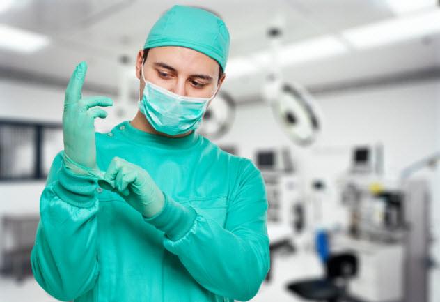 8-surgeon_000058163500_Small