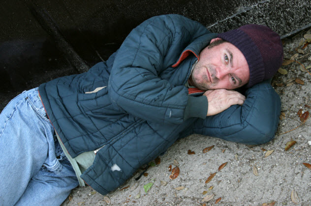 9-homeless-man_000001332602_Small