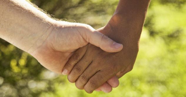 3-interracial-couple-hands_000017317268_XXXLarge