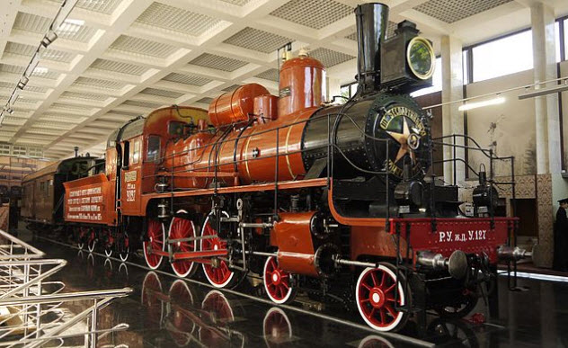9-soviet-train