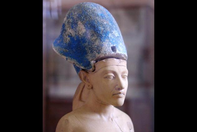 10-akhenaten
