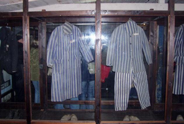 10-prisoners-clothes