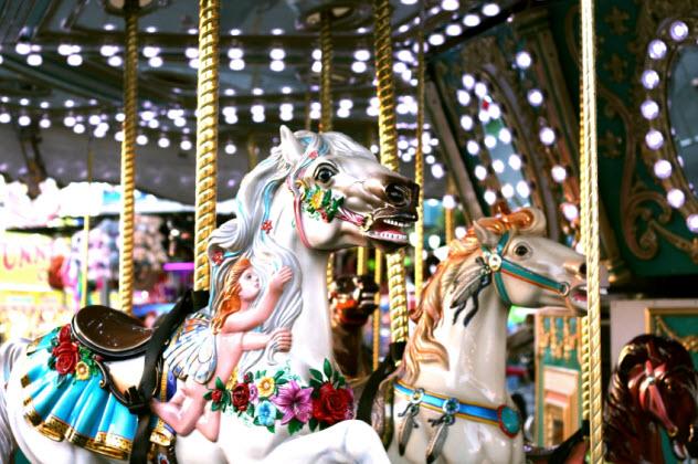 8-carousel_000072501477_Small