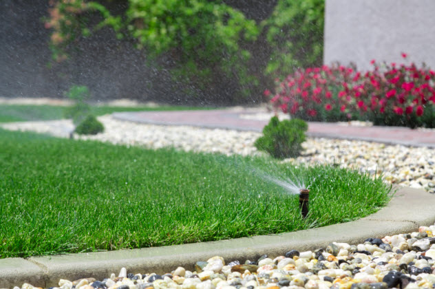 9-water-manicured-lawn_000042089338_Small