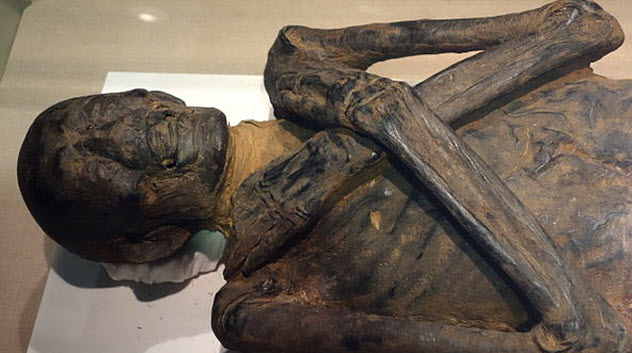 4-ancient-egypt-mummy
