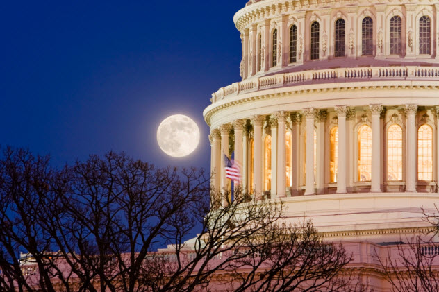 8-capitol-moonrise_2689622_SMALL