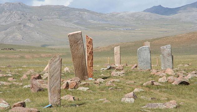 1-deer-stones