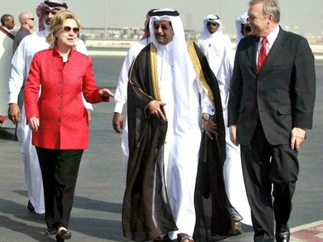 hillary-in-qatar-maneesh-bakshiap-640x480