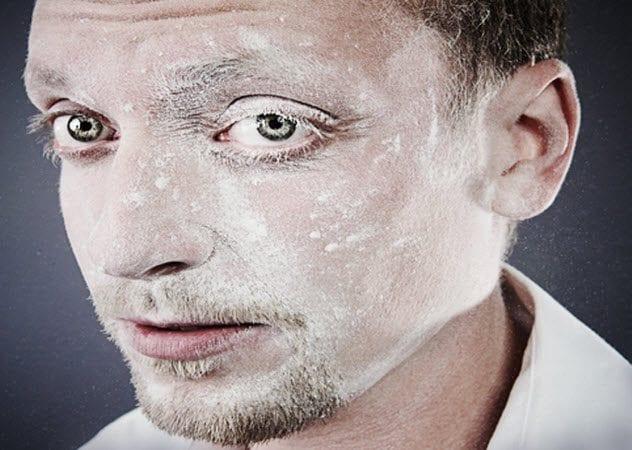 6b-man-coverd-in-flour-108311633