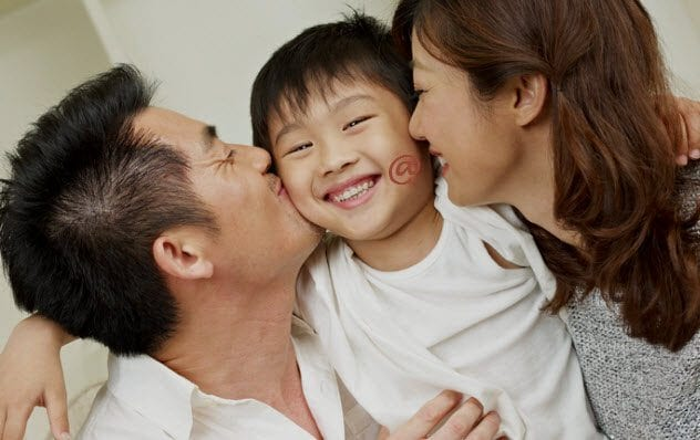 3d-loving-chinese-family-178871469