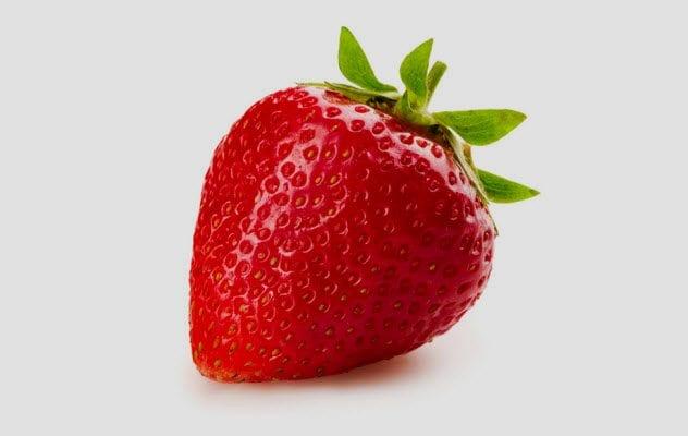 7b-strawberry-482789565