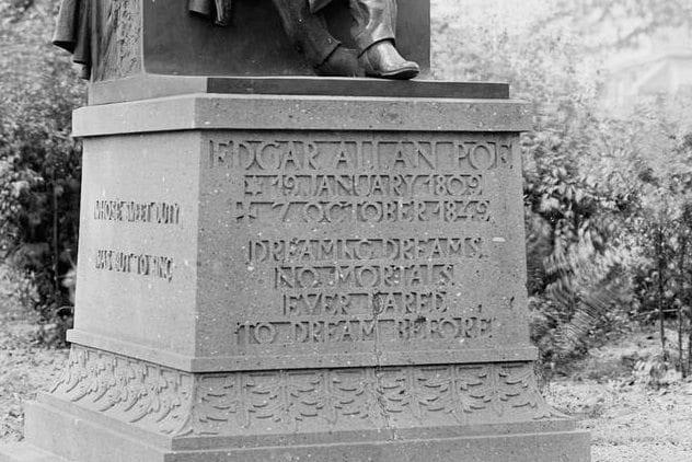 Poe Statue Typo
