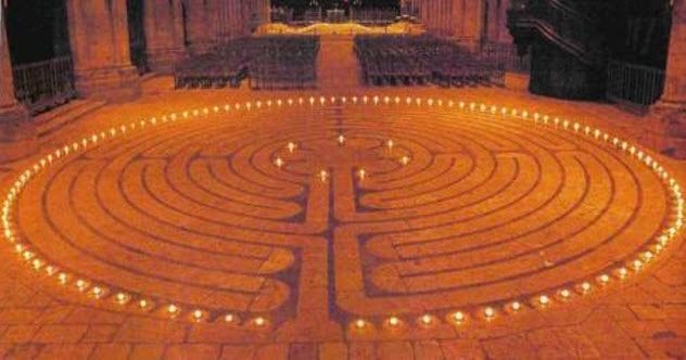8-chartres-cathedral-labyrinth