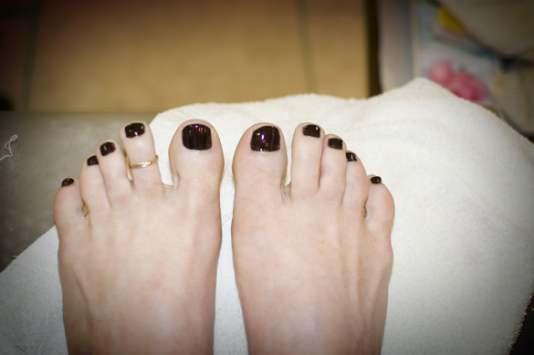 pedicured toes