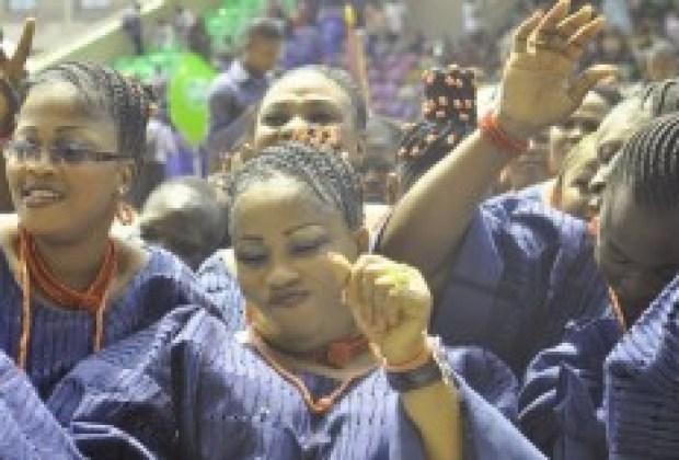 Oude Oba festival - Ijebu women dancing