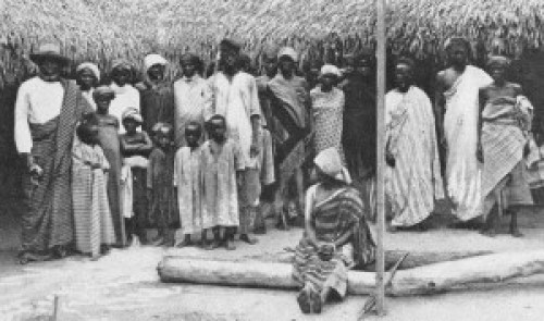 Lower class natives of Lagos in a 1899 photo.
