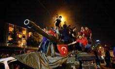 Repudiamos a tentativa de golpe militar reacionário! Lutemos contra a repressão do governo aos trabalhadores!