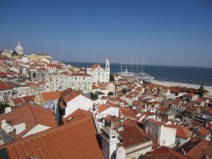 lisbon alfama portugal