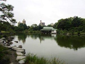 kiyosumi gardens in tokyo 9