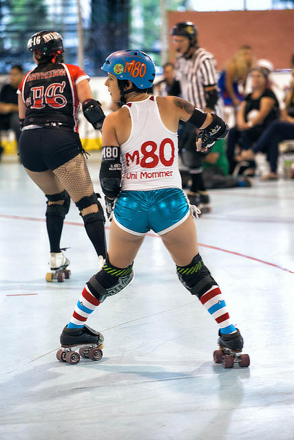 roller derby looking back