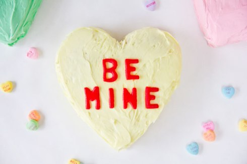 Conversation-Heart-Cakes-for-Valentines-Day