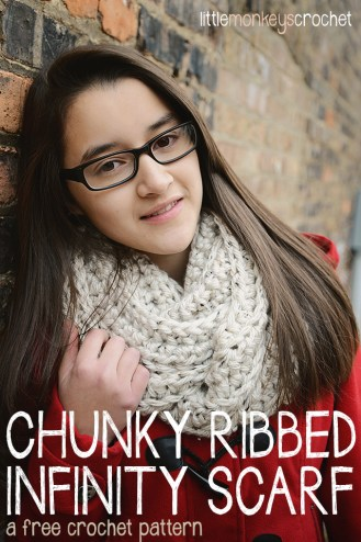 Chunky Ribbed Infinity Scarf  |  a free crochet pattern by Little Monkeys Crochet